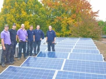 Enphase micro-omvormers op zonnepanelen in Bergeijk